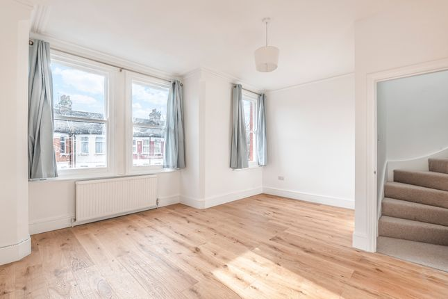 Thumbnail Flat to rent in Willingdon Road, Harringay, London