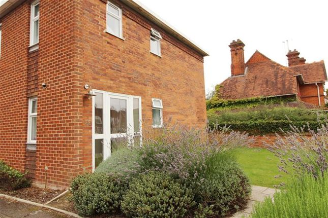 Thumbnail Room to rent in Reading Road, Pangbourne, Reading
