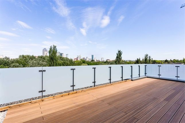 Thumbnail Flat for sale in Hornbeam House, 22 Quebec Way, London