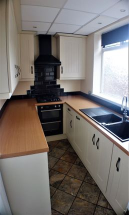 Thumbnail Semi-detached house to rent in Broadway, Royton, Oldham
