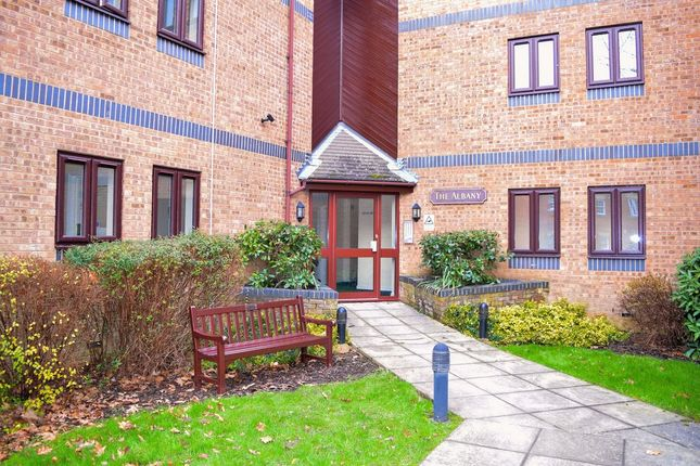 Thumbnail Flat to rent in Primrose Hill, Daventry, 4Gf.