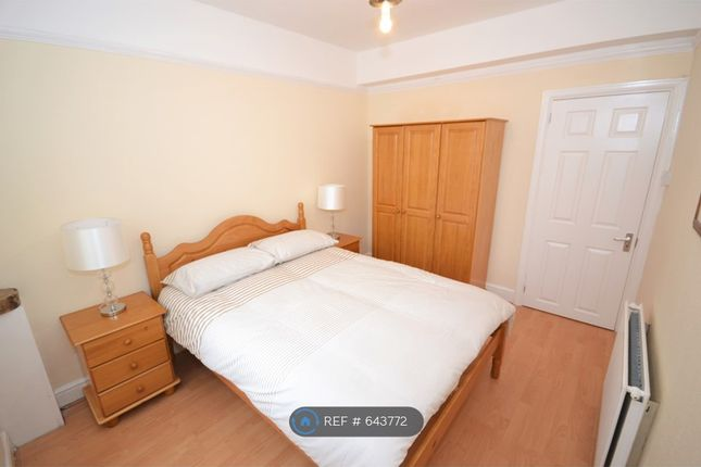Flat in  Station Road  Edgware  West London