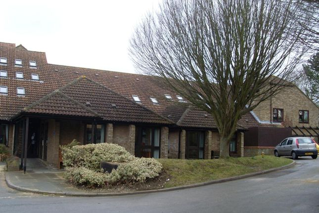 Thumbnail Flat to rent in Oakwood House, Faringdon