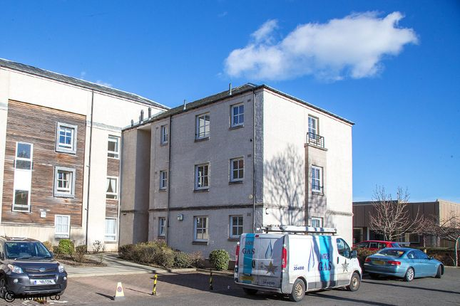 Thumbnail Flat to rent in St. Brycedale Court, St. Brycedale Road, Kirkcaldy