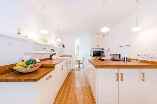 Thumbnail Flat to rent in Roxborough Park, Harrow On The Hill
