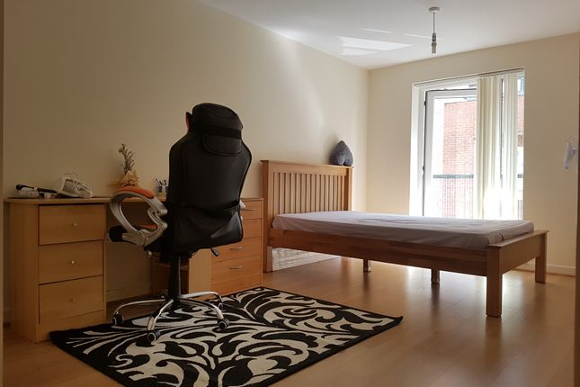 Thumbnail Flat to rent in Precinct Centre, Oxford Road, Manchester