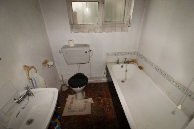 Bathroom of Lindley Street, Rotherham, South Yorkshire S65