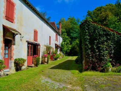 11 bed property for sale in Bellocq, Pyrénées-Atlantiques, France