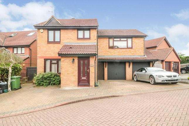 Thumbnail Detached house for sale in Baytree Close, Cheshunt