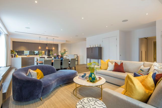 Thumbnail Flat for sale in Chancery Lane, London