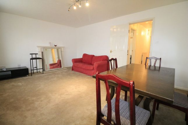 Thumbnail Terraced house to rent in Heathfield Drive, Mitcham