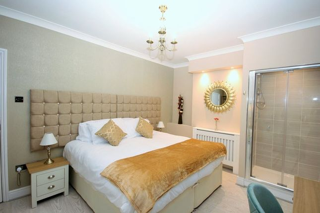 Thumbnail Shared accommodation to rent in Woodseer Street, London