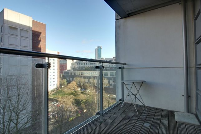 Thumbnail Flat for sale in Centenary Plaza, Holliday Street, Birmingham, West Midlands