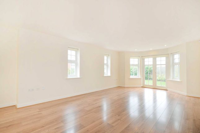 Thumbnail Flat to rent in Pewley Heights, Guildford