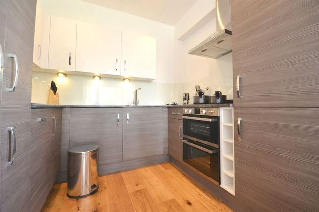 Thumbnail Flat to rent in Union House, Clayton Road