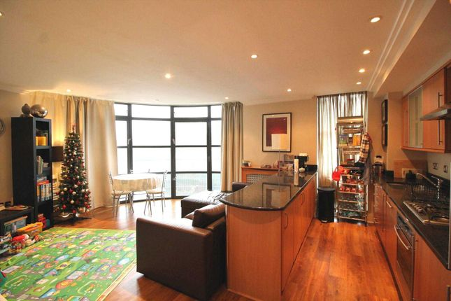Thumbnail Flat to rent in Point Wharf, Brentford