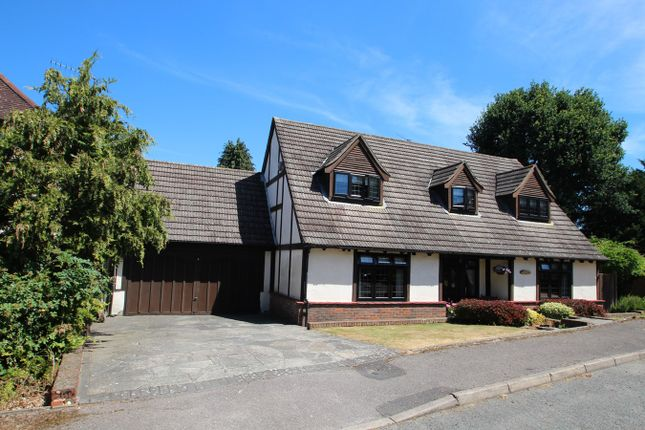 Thumbnail Detached house for sale in Dale Wood Road, Orpington