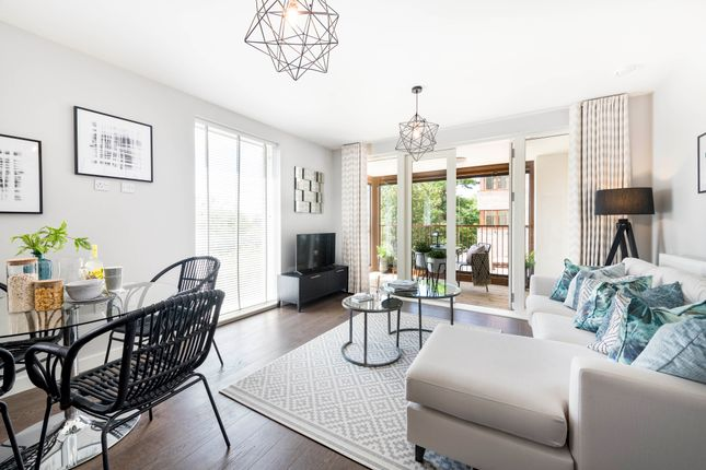 1 bedroom flat for sale in Hanger Lane, Ealing, London