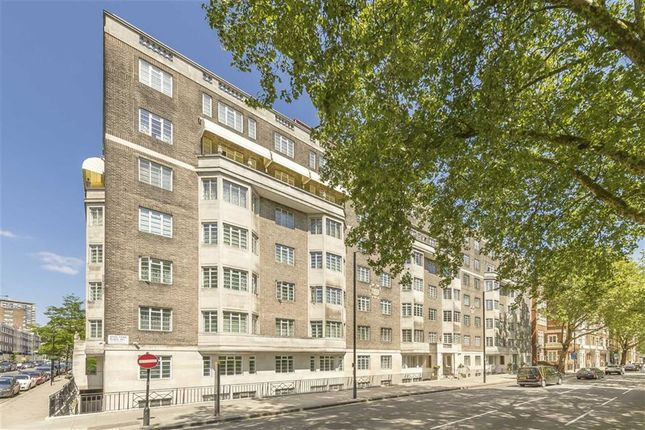 Thumbnail Flat for sale in Albion Street, London