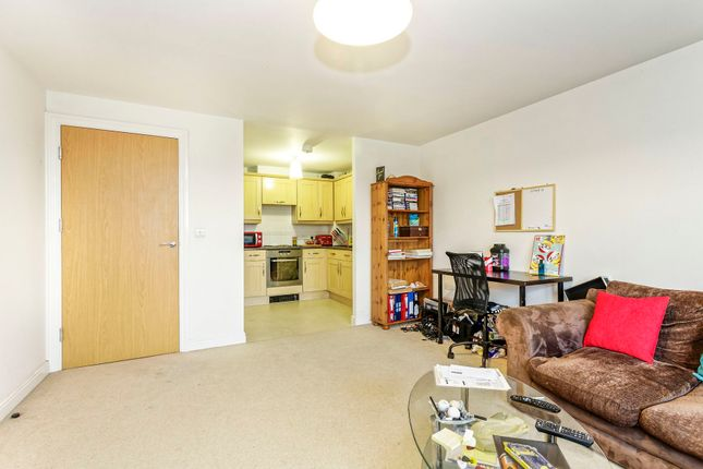Thumbnail Flat to rent in Kelvin Gate, Bracknell