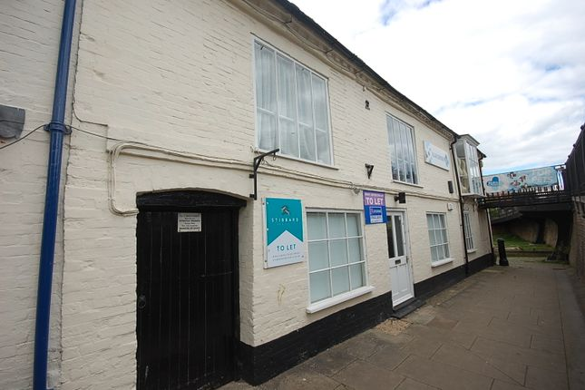Thumbnail Retail premises for sale in High Street, Hungerford