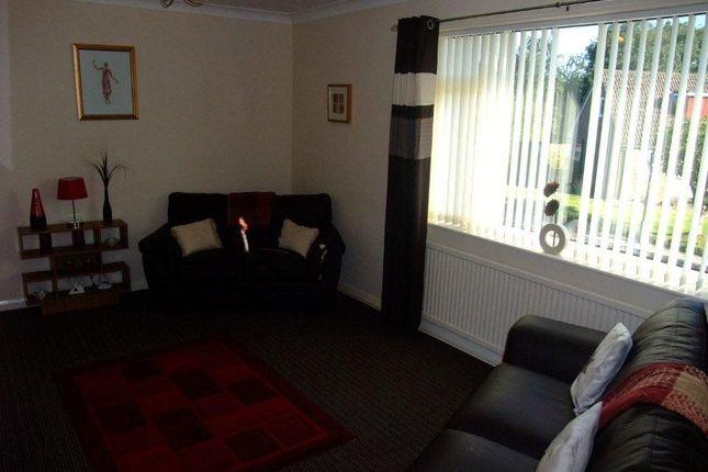 Thumbnail Flat to rent in Larks Hill, Pontefract