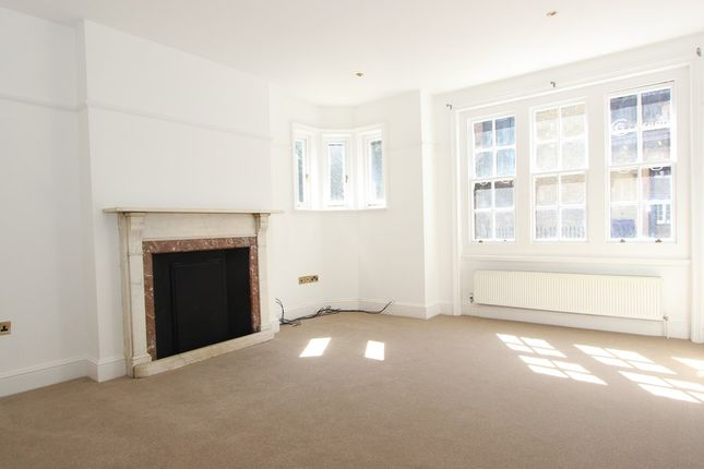 2 bed flat to rent in Bell Street, Marylebone, London NW1