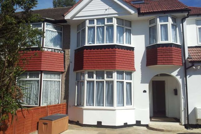 3 bed detached house to rent in Eskdale Avenue, Northolt