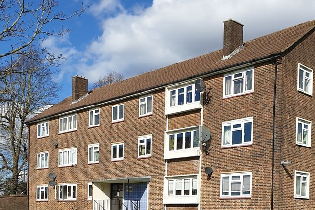 Thumbnail Flat to rent in Langford Road, Cockfosters