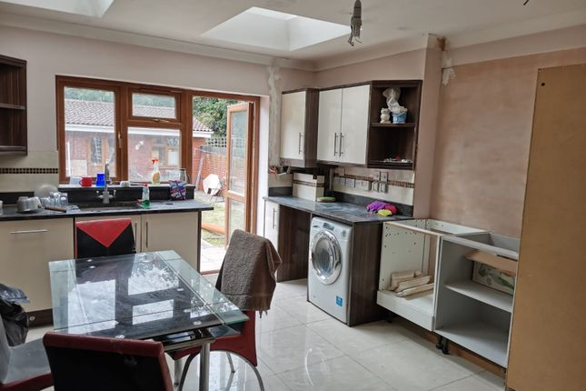 Thumbnail Studio to rent in Ellerman Avenue, Twickenham, Greater London