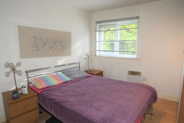 Bedroom 2 of Moss Lane East, Manchester M14
