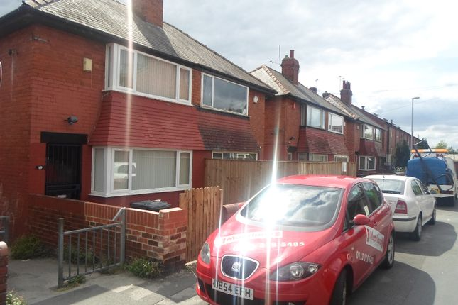 Thumbnail Semi-detached house to rent in Cowper Crescent, Leeds