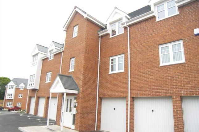 Flat for sale in Lauder Way, Gateshead