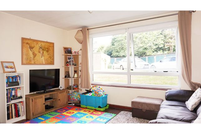 Thumbnail Flat for sale in The Priory, Croydon