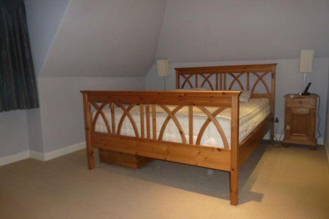 157 Great Northern Road − Bedroom