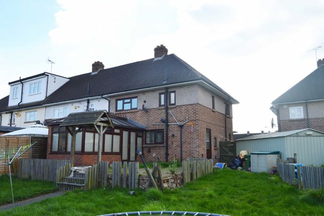 3 bed end terrace house for sale in Wordsworth Close, Romford