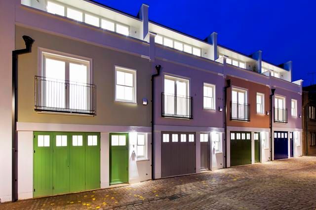 Thumbnail Mews house for sale in St Lukes Mews, Notting Hill