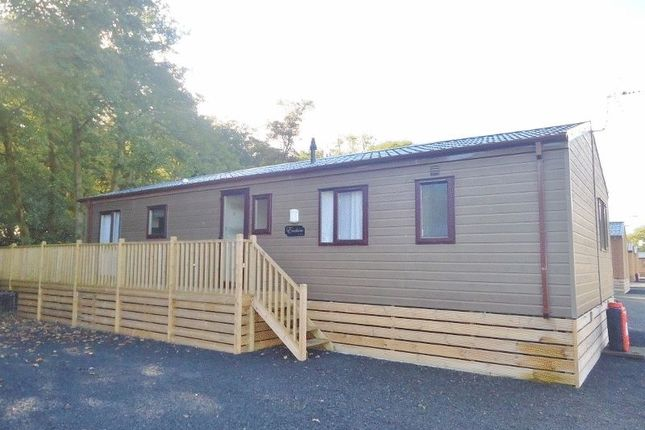3 bed lodge for sale in Dollarfield, Dollar