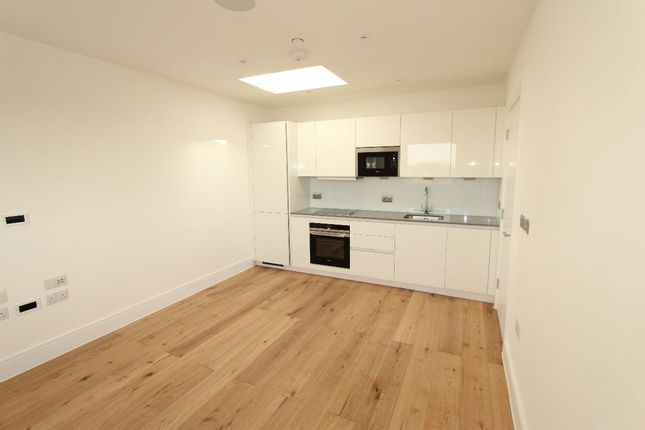 1 bed flat to rent in Darkes Lane, Potters Bar EN6