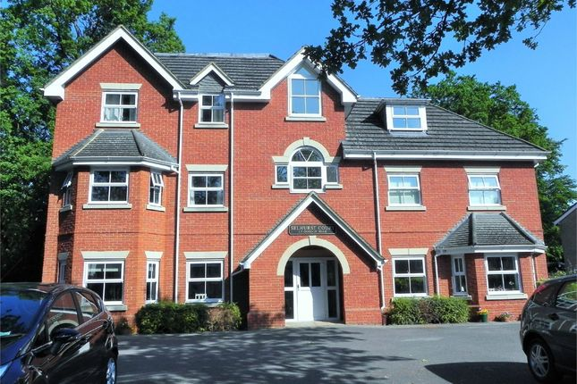Thumbnail Flat to rent in Gordon Road, Camberley