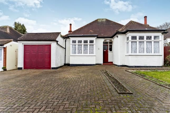 Thumbnail Bungalow for sale in Cheston Avenue, Shirley, Croydon, Surrey