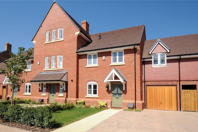 Thumbnail Semi-detached house to rent in Sorrel Drive, Warfield, Bracknell, Berkshire