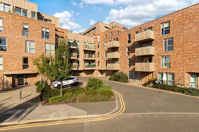 3 bed flat for sale in Harrison Drive, Cambridge CB2
