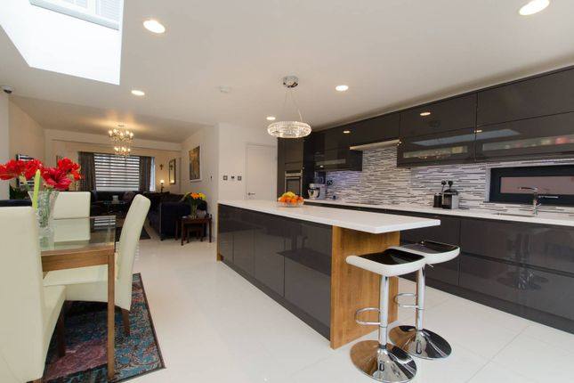 Thumbnail Property to rent in Ancaster Crescent, New Malden
