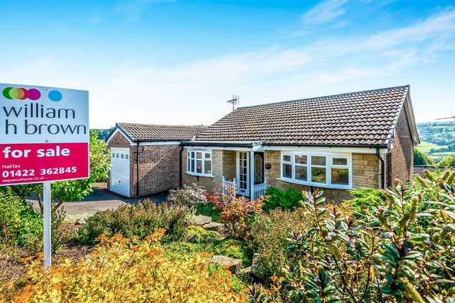 2 bed detached house for sale in High Meadows, Greetland, Halifax