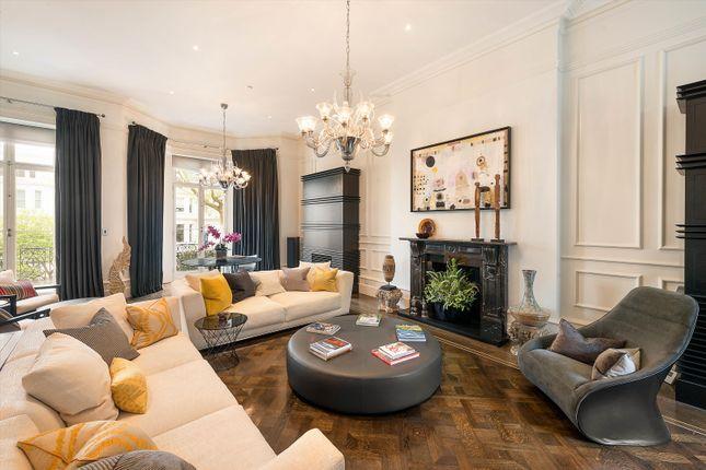 Thumbnail Terraced house to rent in Vicarage Gate, Kensington, London