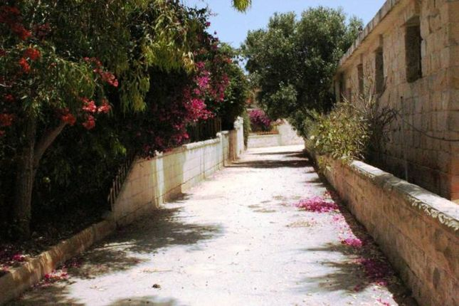 Thumbnail Property for sale in Stunning Restored Farmhouse, Dingli, Western District, Malta
