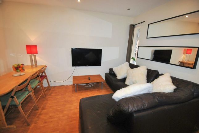 Thumbnail Semi-detached house to rent in School Grove, 6 Bed, Manchester