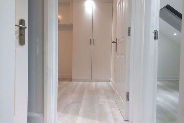 Room to rent in High Road, Romford