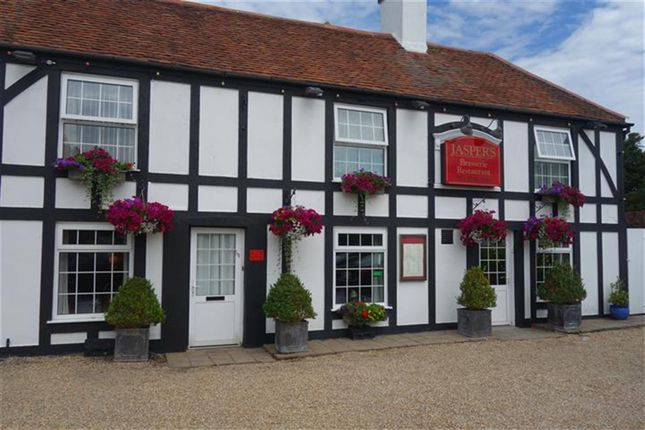 Thumbnail Restaurant/cafe for sale in Substantial Freehold Restaurant With 36 Covers PO11, Hampshire